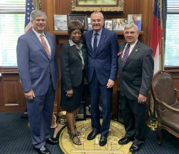 Lieutenant Governor Casey Cagle joined members of the Georgia House of Representatives and Clay County officials in the Rotunda at the Georgia State Capitol with SRC